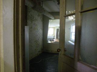 Gov Install door