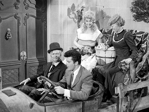 Redneck-tv-beverly-hillbillies1_500x375