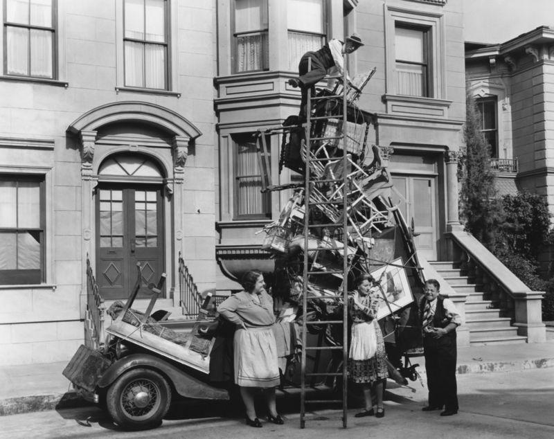 Moving-vintage-car